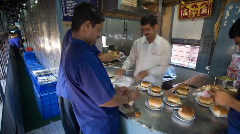 In 2017, the CAG had termed the food served at Railway stations and in trains as 'unfit for human consumption'. (Photo: Wikimedia Commons)