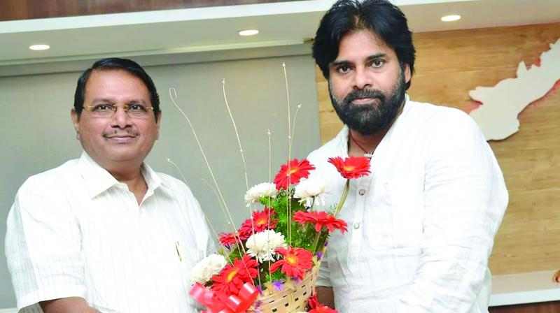 Former chief secretary of Tamil Nadu P. Rammohan Rao has joined Jana Sena and has been appointed as the political adviser to party president  Pawan Kalyan on Monday.