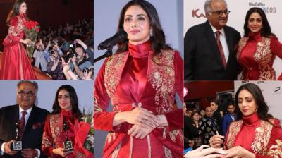 Sridevi received a grand welcome in Moscow, Russia at the premiere of her last film 'Mom' held on Sunday. (Photos: twitter.com/taran_adarsh)