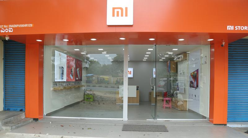 Xiaomi gets most of its revenue by selling mobile handsets, but it also makes money from selling online ads.