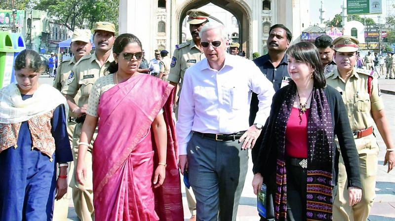 Kenneth I. Juster, US Ambassador to India, visits historic Charminar on Thursday	— DC