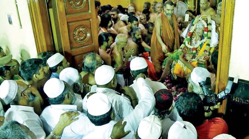 Kanchi Seer Sri Jayendra Saraswathi passes away