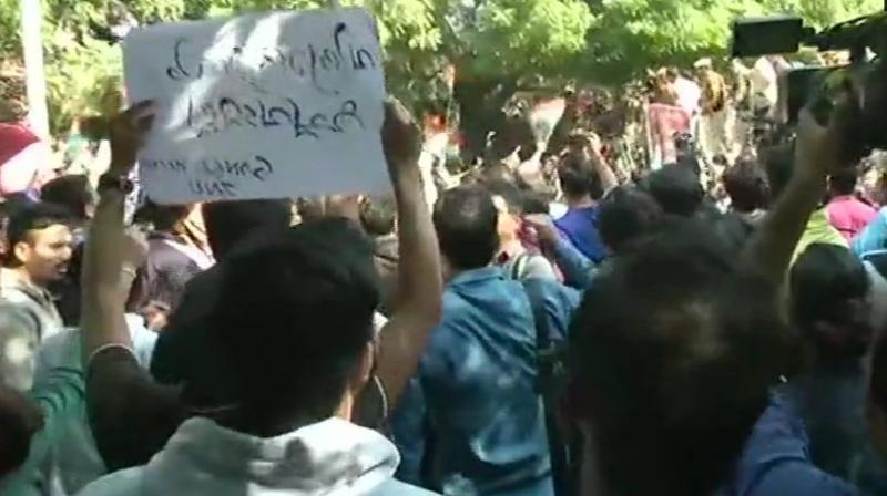 Hundreds of Jawaharlal Nehru University (JNU) students in Delhi were stopped near campus soon after they began marching towards the Parliament on Monday. (Photo: Twitter/ ANI)