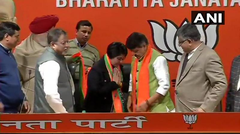 Bharati Ghosh joined BJP in presence of Union Minister Ravi Shankar Prasad and BJP leaders Kailash Vijayvargiya & Mukul Roy. (Photo: ANI)