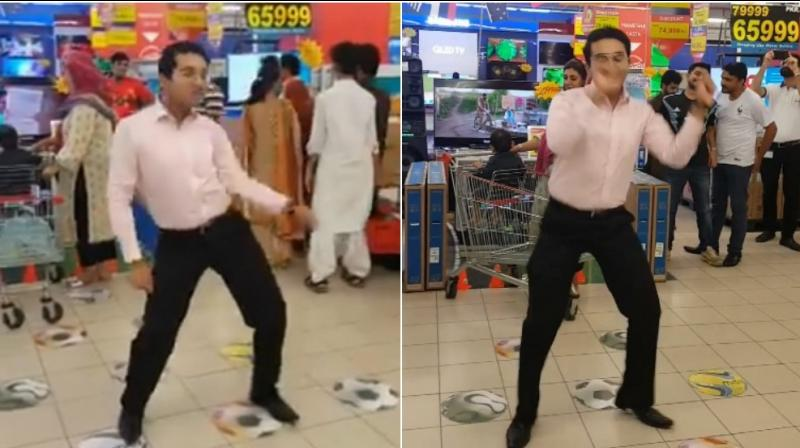 Pakistani guy takes Internet by storm with his killer dance moves. (Photo: Facebook / Mehroz Baig)