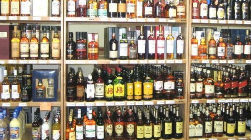 Sri Lanka lets women buy liquor now