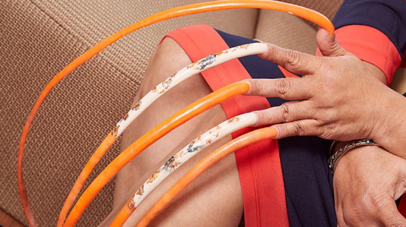 Meet the woman with the world\'s longest fingernails