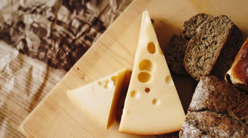 Cheese protects men from osteoporosis but not women. (Photo: Pexels)