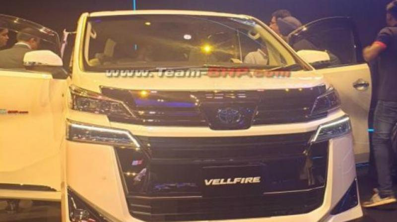 The Vellfire will employ a petrol-hybrid engine with a CVT and 4WD.