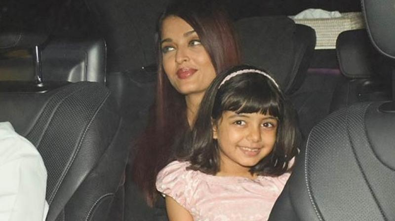 As they stepped out, the paparazzi got clicking. As expected, Aaradhya's friend got overwhelmed with the flashlights. But Aaradhya handled the situation like a pro.