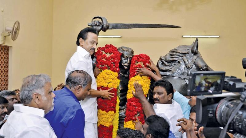 DMK president M K Stalin garlands the statue of freedom fighter Ondiveeran in Tirunelveli on Tuesday. The famed Arunthathiyar leader had valiantly fought against the British as the commander of Pulithevan and had died 20 August, 1771.