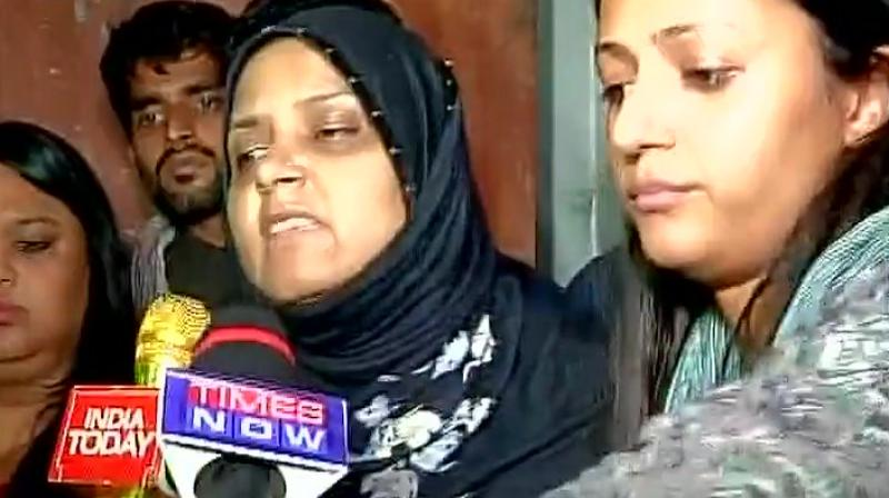 Najeeb Ahmed's sister speaking to the media (Photo: Twitter)