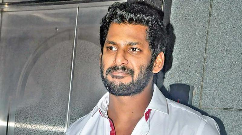 High drama as nominations of Vishal, Deepa get rejected