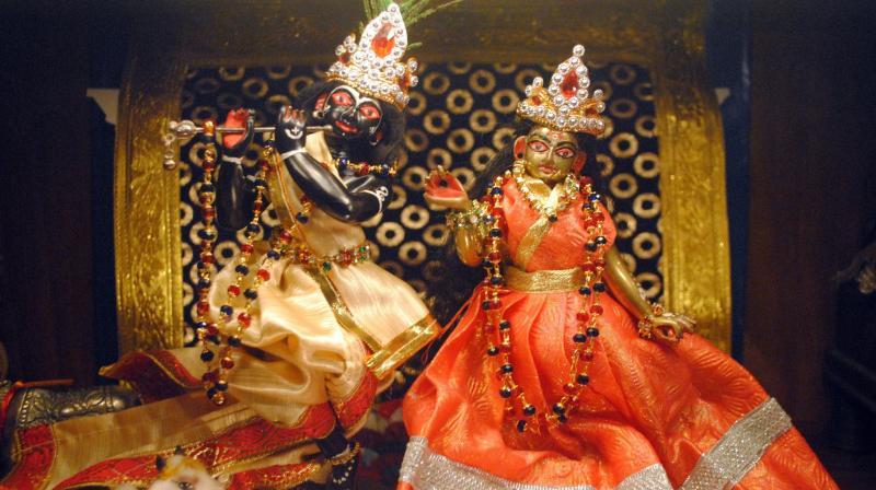 While many temples organise pujas, communities organize dance-drama events called Rasa Lila or Krishna Lila as well. (Photo: Soumyabrata Gupta)