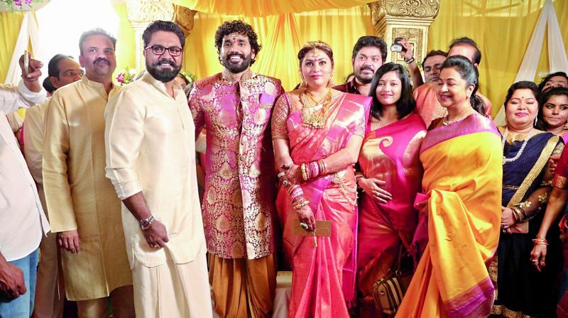 'Bigg Boss Tamil' contestant Namitha gets married to her boyfriend; see pics