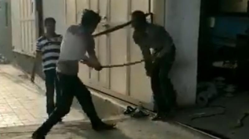 Dalit Guy beaten to Death in Gujarat - Watch Brutal Video