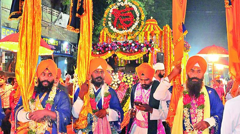 Guru Gobind Singh, at the age of 33, was ready to establish the Khalsa Panth, a new faith based on equality, bravery and a sense of sacrifice. (Photo: DC)