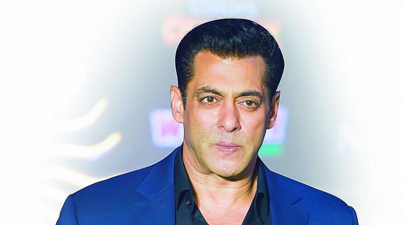 Bigg Boss 13: Salman Khan slammed by netizens and Gauhar Khan for this reason
