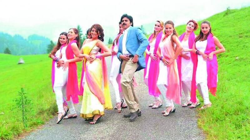 A still from Pawan Kalyan movie Atharintiki Daaredi. (Photo: DC)