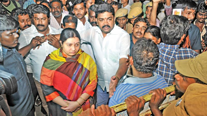 'Betrayal': Dinakaran Slams Late Night Raids At Jayalalithaa's Home