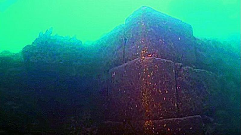 Lost castle discovered submerged in giant Turkish lake (PHOTO, VIDEO)