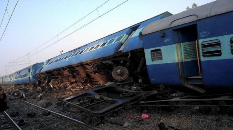 Vasco Da Gama-Patna Express derails in UP