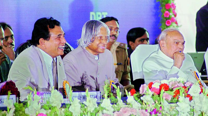 A file picture of Lalji Singh with former President APJ Abdul Kalam.