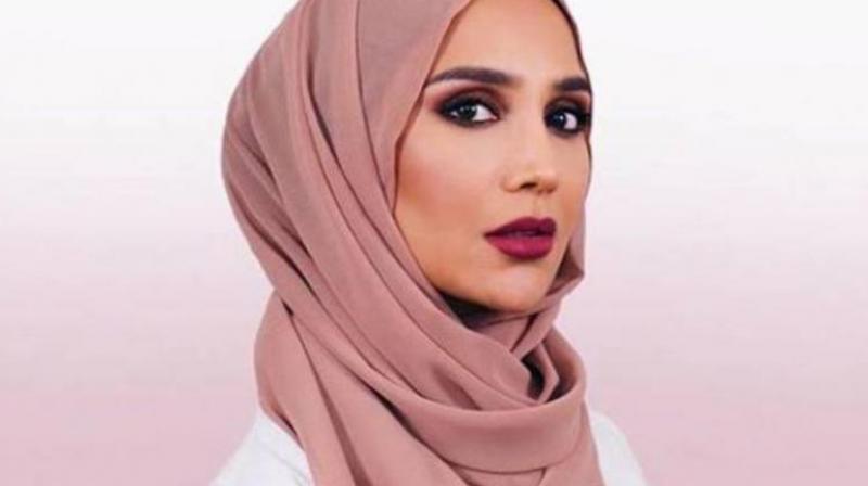 L'Oreal hijab model Amena Khan pulls out of ad campaign