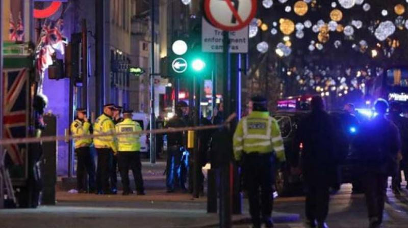 Hundreds cleared from central London after gas leak