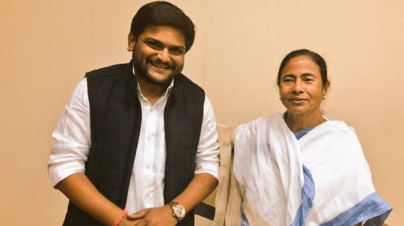 Hardik dubs Mamata 'lady Gandhi', gets offer to join Trinamool