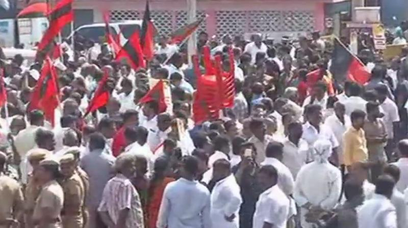 DMK-led Oppn bandh over Cauvery begins in TN