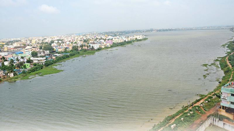 Villivakkam lake was buffer area absorbing stormwater, but the water body was gradually turned in to dump yard. (Photo: DC)