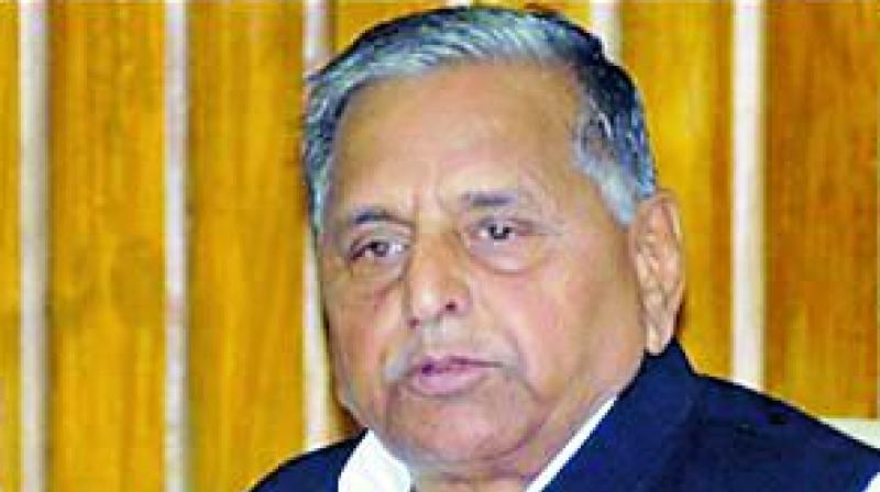 Samajwadi party founder and former Uttar Pradesh Chief Minister Mulayam Singh Yadav has been admitted to a hospital here after he complained of urinary retention.(Photo: File)