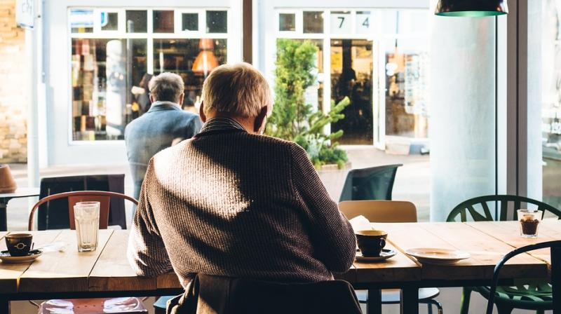 Abigail found the elderly man sitting alone at a cafe in London (Photo: Pixabay)