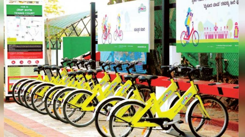At the first stage the government will provide 4,000 bicycles and 350 docking points at important locations of the city.