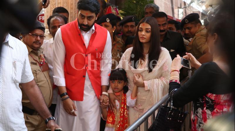 Abhishek And Aishwarya With Daughter Aaradhya At Siddhivinayak Temple To Seek Blessings On Their 10th Wedding