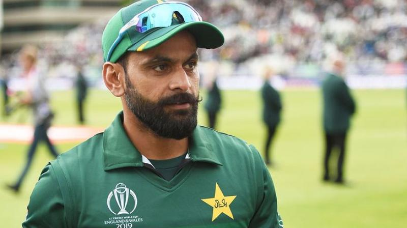 Mohammad Hafeez hits back at fan after being asked about retirement plans; see tweet