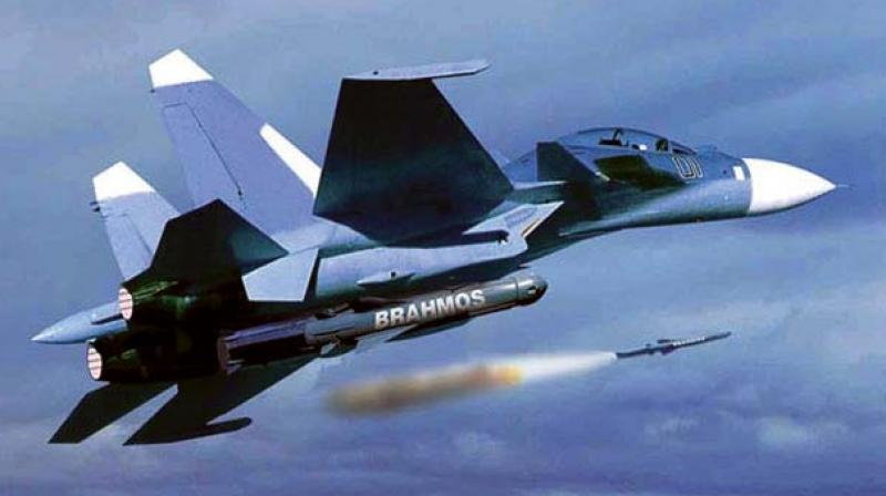 BrahMos supersonic cruise missile successfully tested from a Sukhoi fighter jet
