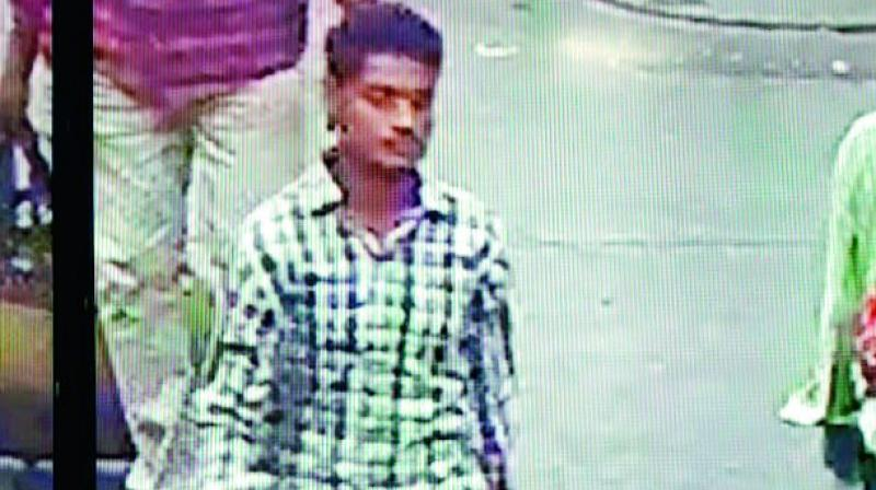 Tirupati (Urban) district police released the pictures on Monday and appealed to the public to inform them if they found the man in the pictures.