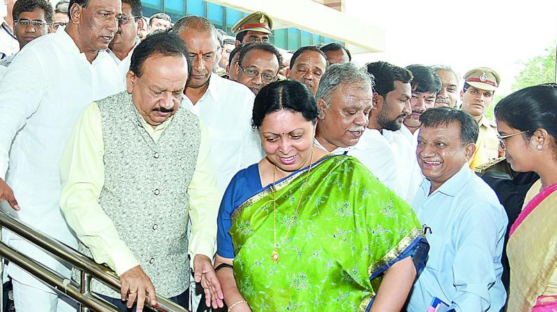 Union minister Harsha vardhan inaugurates the Centre for DNA Fingerprinting and Diagnostics at Nagole on Sunday. Dr Renu Swarup, Union secretary for DBT, CDFD director Debashis Mitra, Malkajgiri MP Malla Reddy and Uppal MLA N.V.S.S. Prabhakar are also seen. (Image Dc)