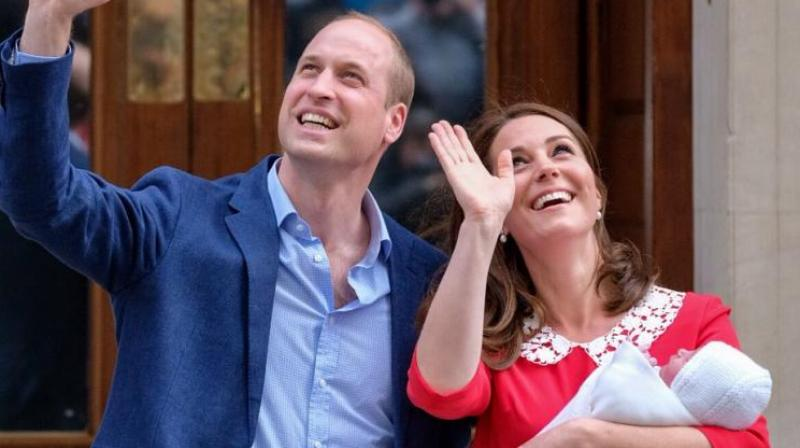earing a red dress with a white collar, Middleton looked in good health after giving birth. (Photo: Twitter/KensingtonPalace)