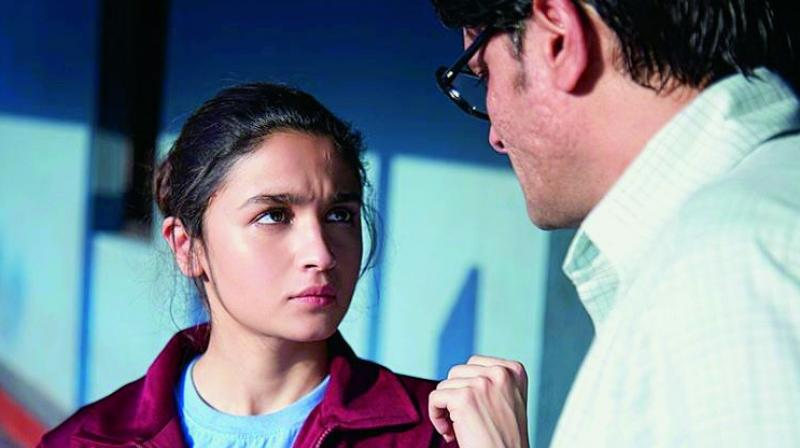 Alia Bhatt celebrates 25th birthday on 'Brahmastra' sets, see inside pics