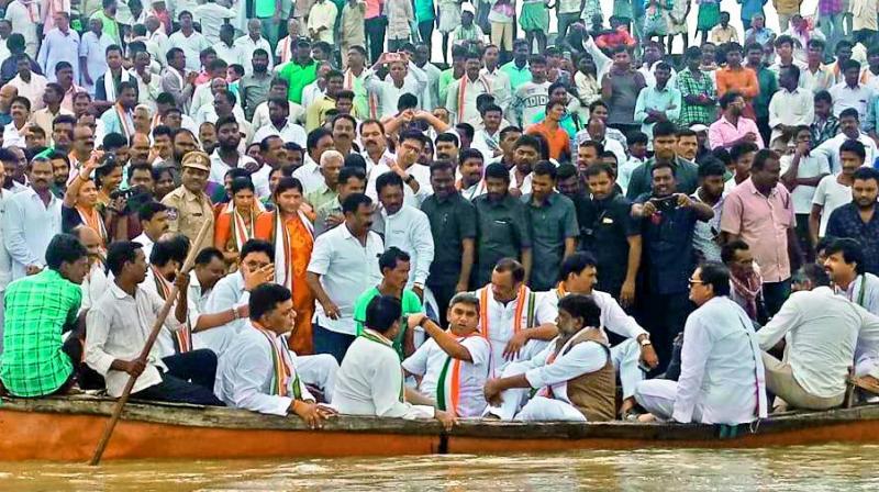 Congress delegation visits the Pranahitha barrage site near Thummidihatti in Kumarambheem district on Monday.  (DECCAN CHRONICLE)