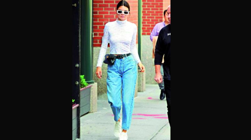 d4a63f6f94dc Kendall Jenner stuns in Mommy Jeans. Doesn't she?