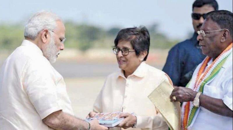 PM Modi lauds Kiran Bedi work on 'Swacchata mission'