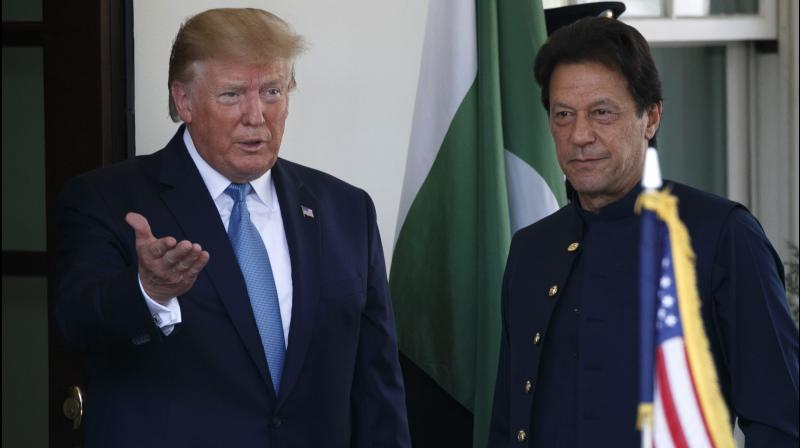 Donald Trump asks Imran Khan to resolve tensions with India bilaterally