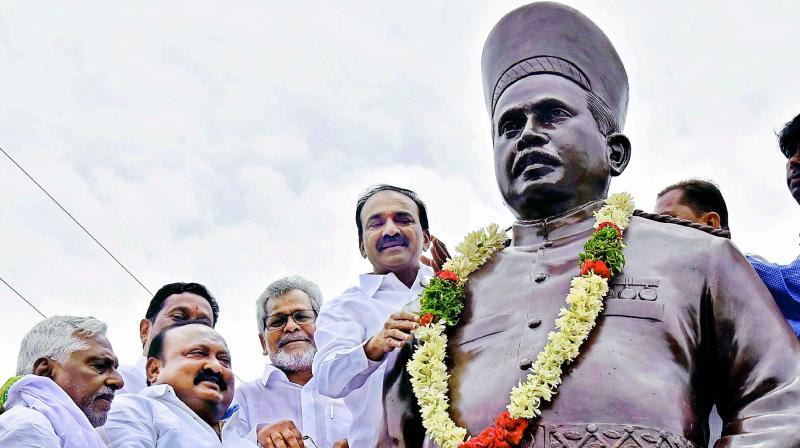 Minister Etala Rajender inaugurated the statue of Raja Bahadur Venkatarami Reddy  in front of SRR Degree and PG College in Karimnagar on Sunday.