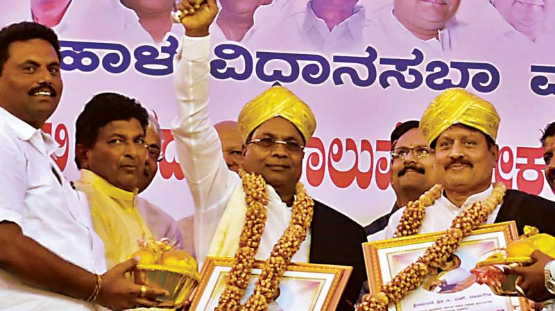 Chief Minister Siddaramaiah after inaugurating various developmental works in Muddebihala on Wednesday. 	— KPN