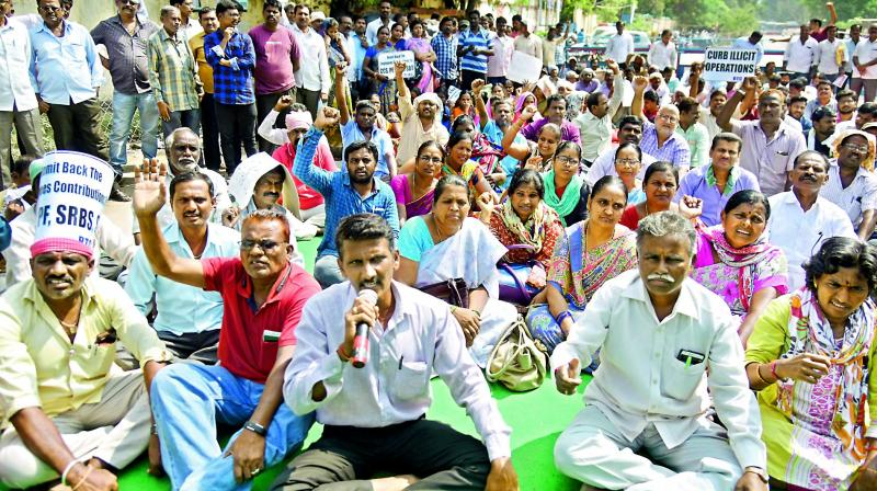 The Telangana High Court on Thursday directed the state government to hold discussions with the striking employees of the Telangana State Road Transport Corporation (TSRTC) to resolve the over the one-month long strike. (Photo: File)