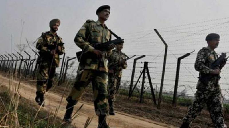 Army men patrolling along the India-Pakistan border. (Photo: Representational Image/PTI)